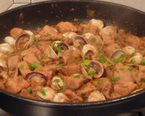Carne de Porco à Alentejana (Pork with Clams)