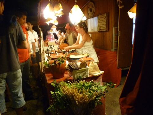 Silves Medieval Fair - There are many stalls selling delicious food!