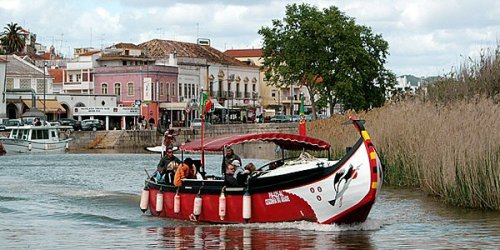 Peaceful river trip to Silves