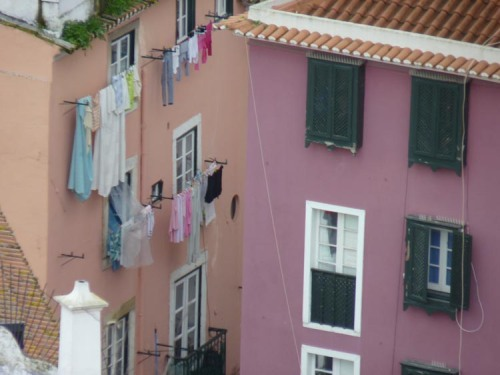 How do people dry their washing in the city?