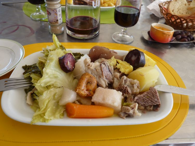 Traditional portuguese food piglet in portugal for Authentic portuguese cuisine
