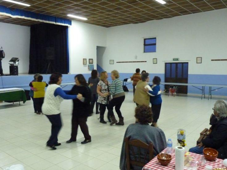 Dancing at the Feira da Sopa in Rogil