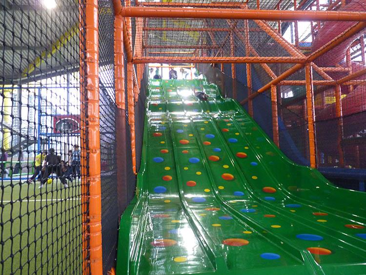 Large indoor slides piglet in portugal for Indoor play slide