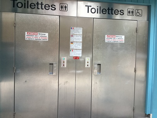 Automatic toilets in France