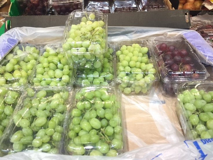 Grapes in plastic packaging