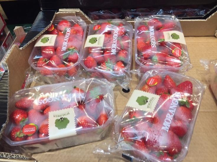 strawberries in plastic packaging