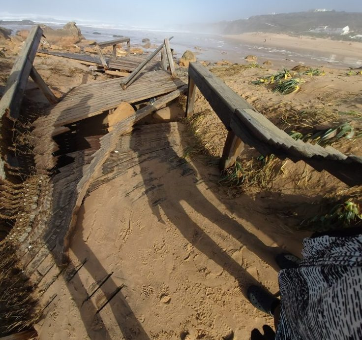 Waves destroy disabled access to Monte de Clerigo
